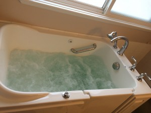 Kelowna-plumbers-A1-Choice-walk-in-tub-2